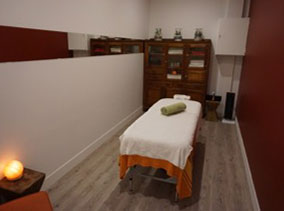 Zephyr Life massage treatment room